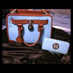 NWT 🏷 beautiful blue and brown purse!!